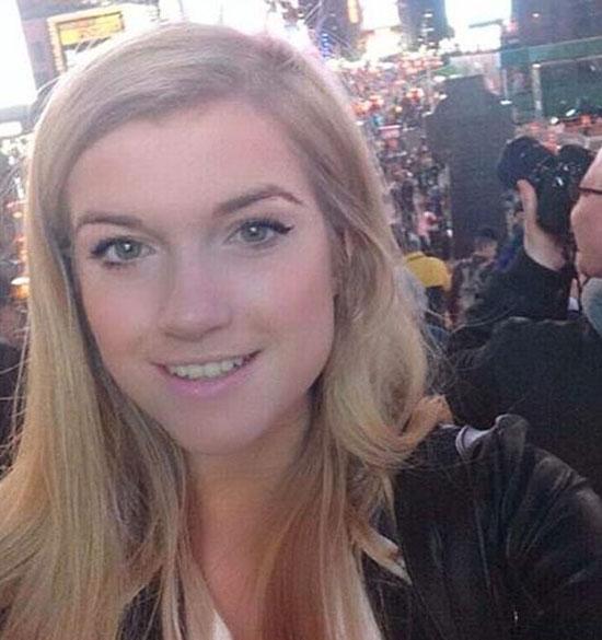 Lucy Clode từng bị James Franco rủ vào khách sạn khi cô mới 17 tuổi.