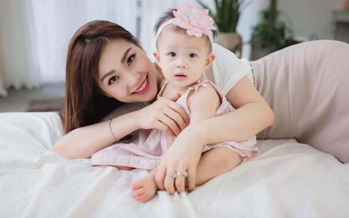 Diễm Trang kết hôn năm 2015, không lâu sau khi giành giải Á hậu cuộc thi Hoa hậu Việt Nam 2014. Hiện cô đang tận hưởng cuộc sống làm vợ, làm mẹ viên mãn bên ông xã doanh nhân và Julia, cô con gái một tuổi.