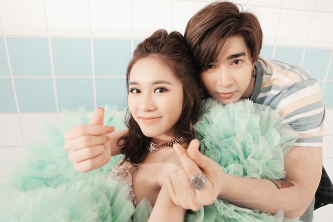 Chi Dân cũng góp mặt trong MV Yêu thôi anh à. Anh và Vân Shi có những cảnh quay lãng mạn, ngọt ngào.