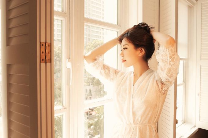 Hoa hậu Lam Cúc lần đầu tung bộ ảnh sexy - 7