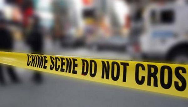 Cô gái đã bị bắt trong khi bạn trai cô vẫn đang bỏ trốn. Ảnh: Zee News