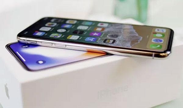 iPhone X chính hãng chênh nhau hơn ba triệu đồng