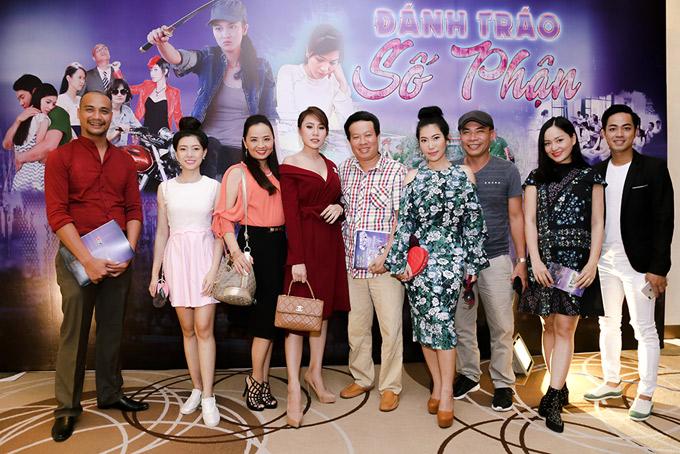 Dàn diễn viên dự buổi ra mắt ở TP HCM. Đánh tráo số phận phát sóng vào thứ hai, thứ ba và thứ tư hàng tuần, bắt đầu từ ngày 17/1.