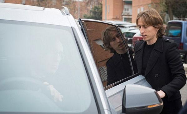 Vợ chồng Modric cùng đến tòa vì cáo buộc trốn thuế giống C. Ronaldo - 1