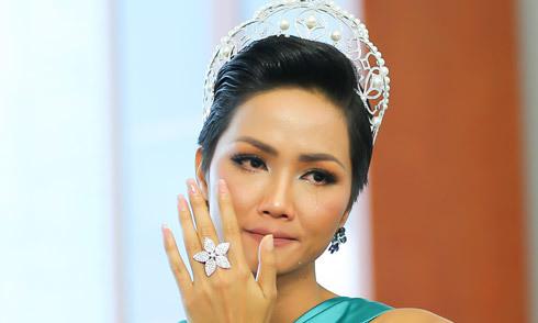 Tân Hoa hậu Hoàn vũ VN từng đi làm giúp việc