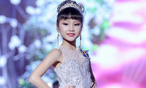 Lưu Vũ Hương Giang đăng quang 'Junior Miss & Mr Sea Star 2017'