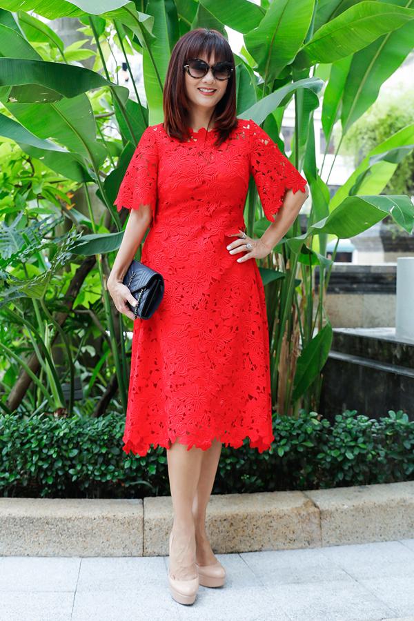 Hoa hậu Áo dài đầu tiên của Việt Nam - Kiều Khanh đã 49 tuổi. Nhan sắc của người đẹp 3 con vẫn khiến nhiều người phải ngưỡng mộ.