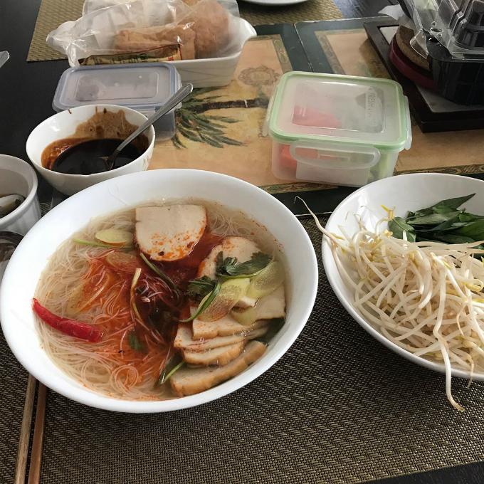 Sao TVB mê đồ Việt, tuyên bố không gì ngon hơn phở - 4