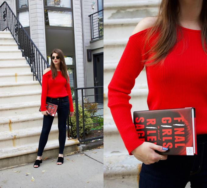 Đối với những cô nàng yêu sự đơn giản trong việc chọn lựa và phối đồ, các mẫu áo len dầy dặn đi cùng jean ôm luôn là set đồ hữu dụng trong nhiều bối cảnh khác nhau.