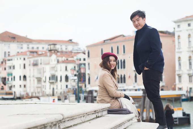 Bạn trai tin đồn Tô Minh Đức ôm chặt Ngọc Anh tại Italy - 6