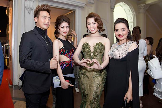 Hoa hậu HHen Niê và hai Á hậu lần đầu đi event sau đăng quang - 10