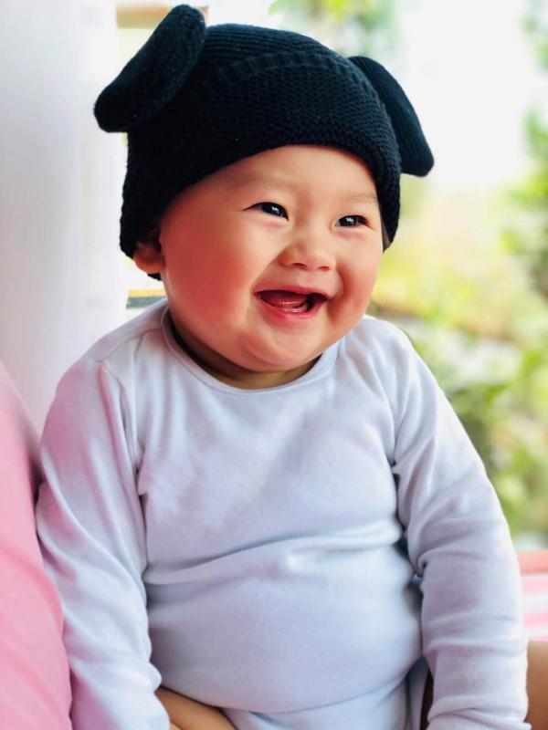 Bé Eric là trái ngọt đầu tiên trong cuộc hôn nhân của Khánh Hiền và đạo diễn Việt kiều James Ngô.