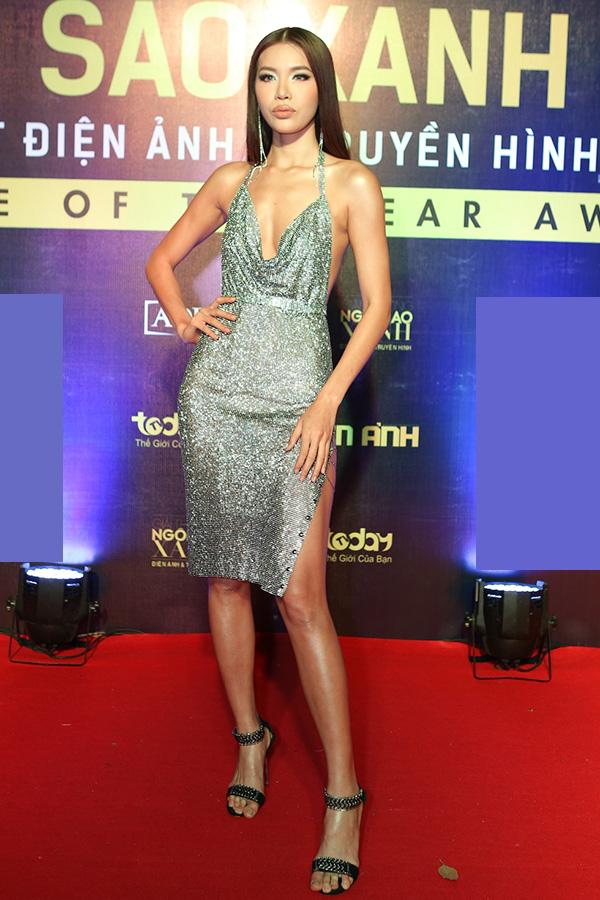 Hoa hậu HHen Niê và hai Á hậu lần đầu đi event sau đăng quang - 2