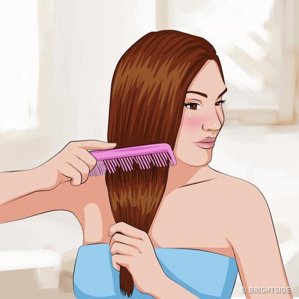 Không chải đầu khi tóc ướtTóc ướt là lúc tóc yếu ớt nhất, nên hạn chế tác dụng lực lên da đầu. Nếu tóc quá rối, bạn có thể sử dụng một chiếc lược răng thưa, giữ chặt phần thân tóc và chải nhẹ nhàng phần đuôi.