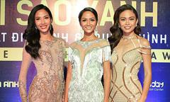 Hoa hậu H'Hen Niê và hai Á hậu lần đầu đi event sau đăng quang