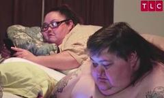 Cặp đôi nặng hơn nửa tấn lần đầu được sex sau 11 năm yêu nhau