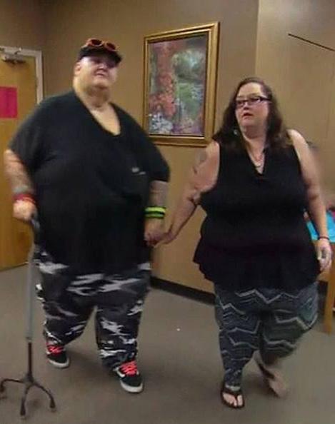 Lee và Rena hiện nay. Họ sẽ còn phải giảm cân nữa. Ảnh: TLC.