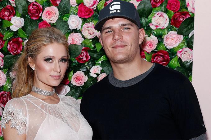 Paris Hilton và chồng sắp cưới.