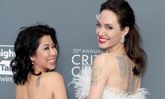 Angelina Jolie diện váy khoe lưng trần đầy hình xăm