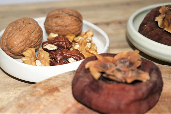 Bí quyết làm hai món tráng miệng truyền thống kiểu Hàn từ quả hồng