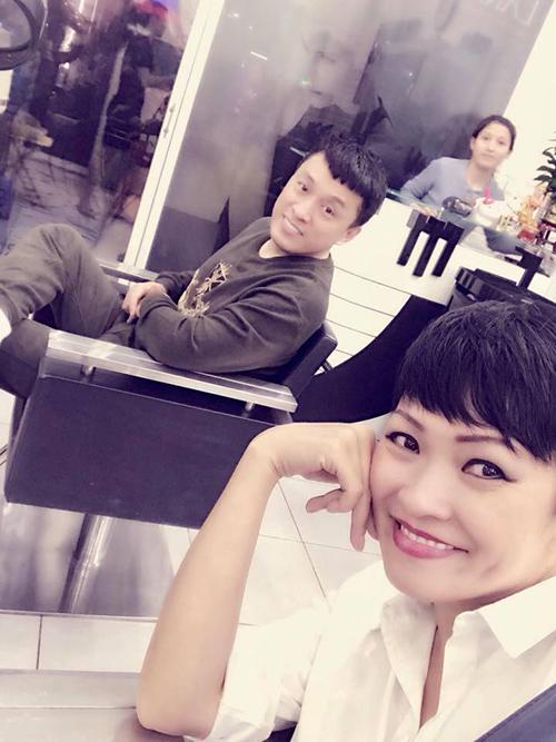 Lam Trường trêu cô nàng bạn thân Phương Thanh: Hôm nay đi cắt tóc gặp lạithằng bạn cũ.