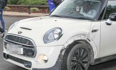 Sao Chelsea lái xe bị tai nạn tới sân tập
