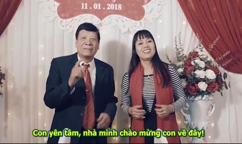 Bố mẹ hai bên hát rap vui nhộn mừng đám cưới con