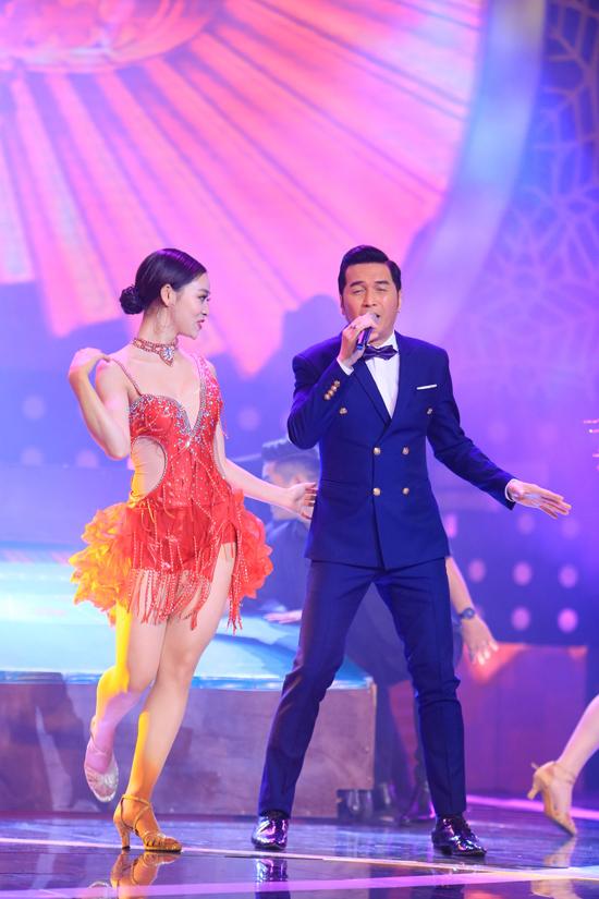 Ca sĩ Nguyễn Hưng mang tới màn vũ đạo sôi động qua ca khúc Hãy cho tôi.