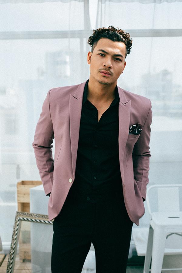 Diễn viên Vũ Tuấn Việt chuộng phong cách thời trang khoẻ khoắn - 1