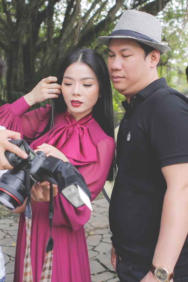 Lệ Quyên và ông xã tại hậu trường chụp bìa album nhạc Trịnh.