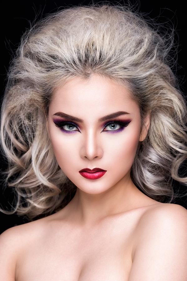 Bộ ảnh được thực hiện với sự hỗ trợ của Makeup: Phoenix Huỳnh, Stylist: Hùng Việt, Photo: Fynz, Model: Trâm Anh.