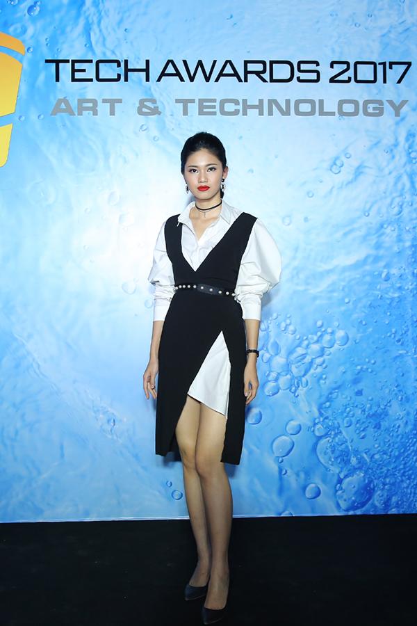Hoa hậu HHen Niê rạng rỡ trên thảm đỏ Tech Awards 2017 - 5