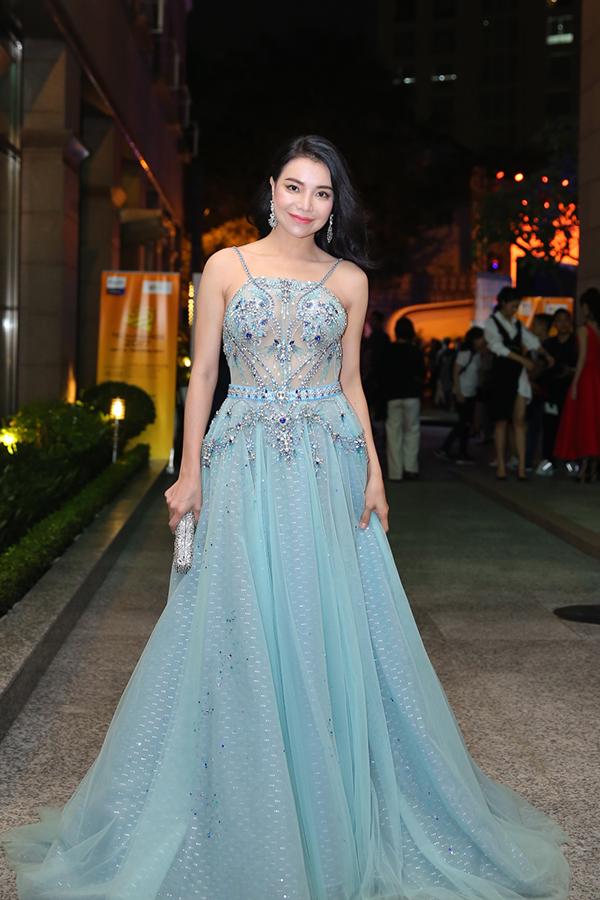 Hoa hậu HHen Niê rạng rỡ trên thảm đỏ Tech Awards 2017 - 7