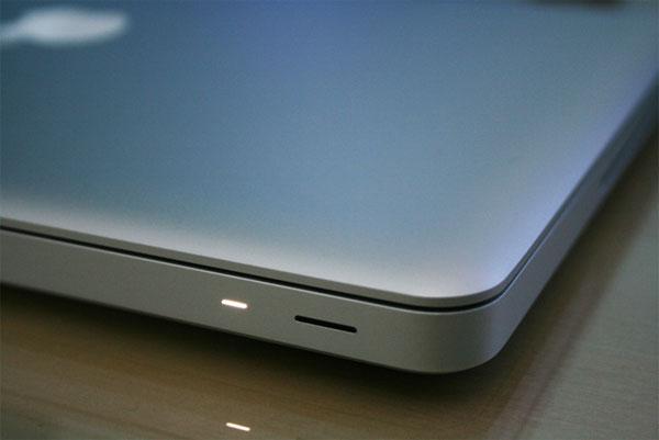 Apple gặp rắc rối vì thời gian pin chờ trên MacBook