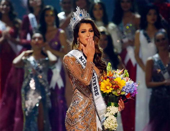 Iris Mittenaere đăng quang Hoa hậu hoàn vũ năm 2016. Ảnh: NS.