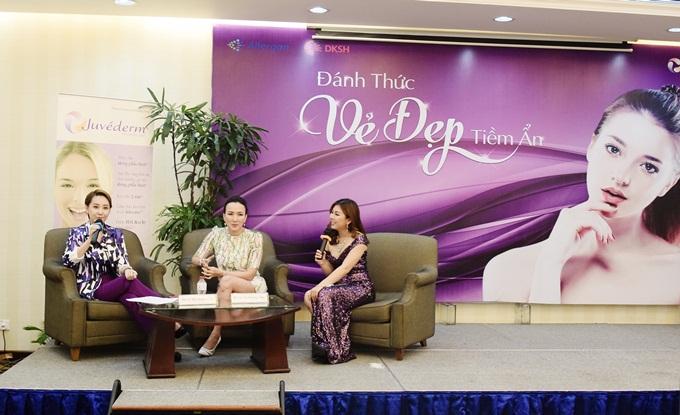 Bác sĩ Tôn Nữ Phương Thảo và Á hoàng 2 cuộc thi Nữ hoàng doanh nhân đất Việt 2017Lê Thị Thanh Xuân (từ phải qua trái) đồng hành với hội thảo.
