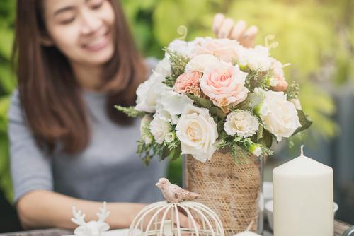 Màu sắc tươi sáng của hoa lá, không gian xung quanh giúp tinh thần của bạn tốt hơn.