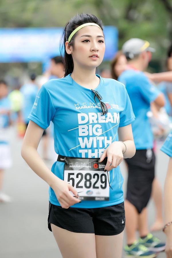 Mỹ nhân người Hà Nội trông khỏe khoắn, tràn đầy sức sống ở tuổi 25.