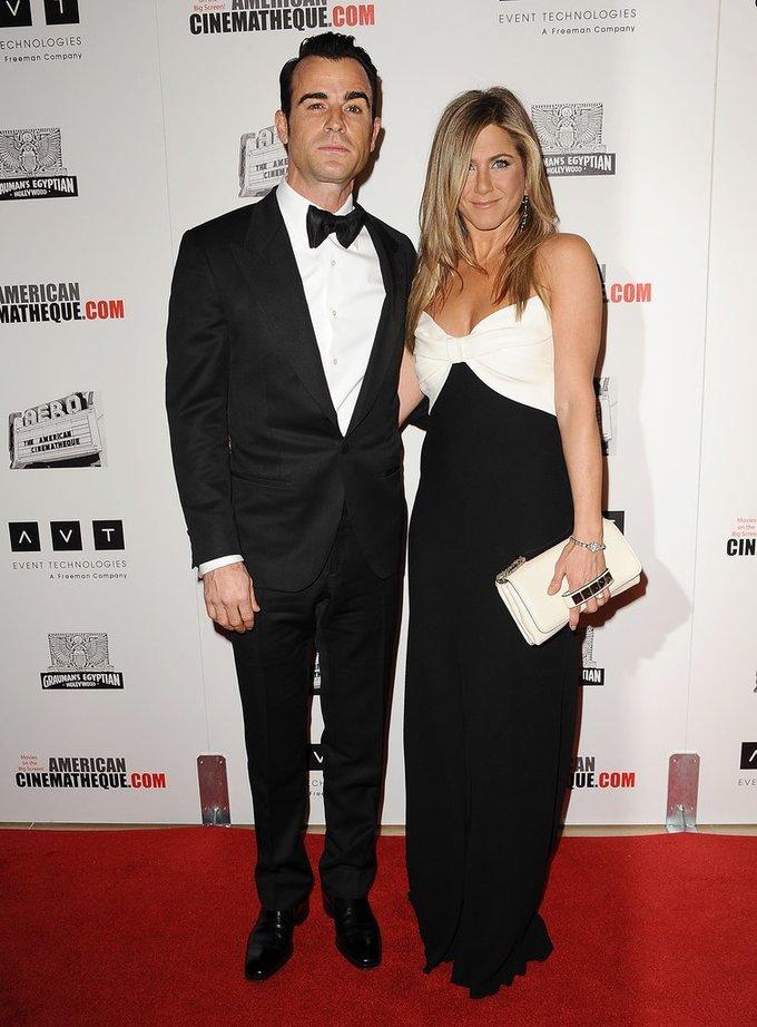 10 bộ đồ ton-sur-ton của vợ chồng Jennifer Aniston