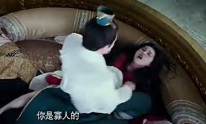 'Thắng Thiên Hạ' của Băng Băng bị phản đối vì cảnh vua cưỡng dâm quả phụ
