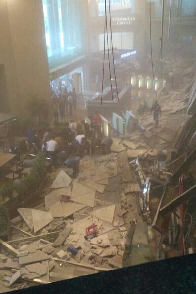 Hiện trường tan hoang của vụ sập sàn giao dịch Indonesia. Ảnh: Twitter