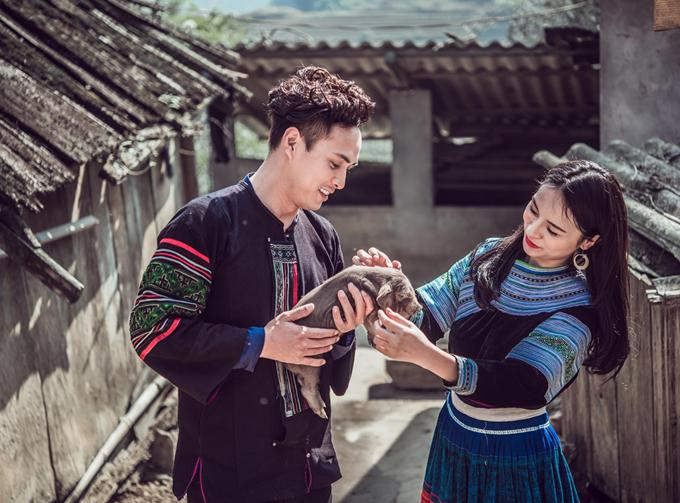 Ca khúc Xuân về trên núi rừng được kỳ vọng trở thành hit mới của Hồ Quang Hiếu trong dịp Tết, sau Con bướm xuân đình đám một thời.