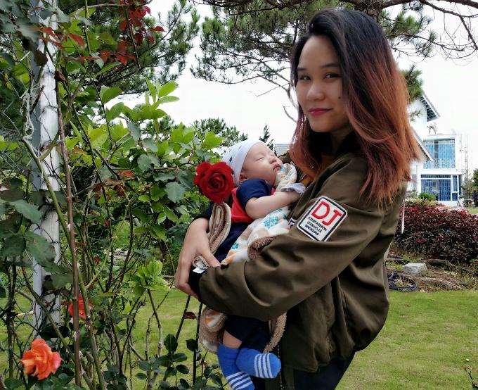 Con trai của Yến Nhi hiện 6 tháng tuổi.