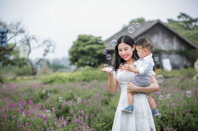 Huyền Trang và bé Mint.