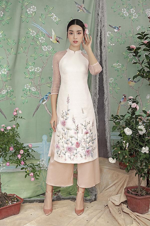 Đỗ Mỹ Linh gợi ý chọn áo dài thêu hoa mặc Tết - 5