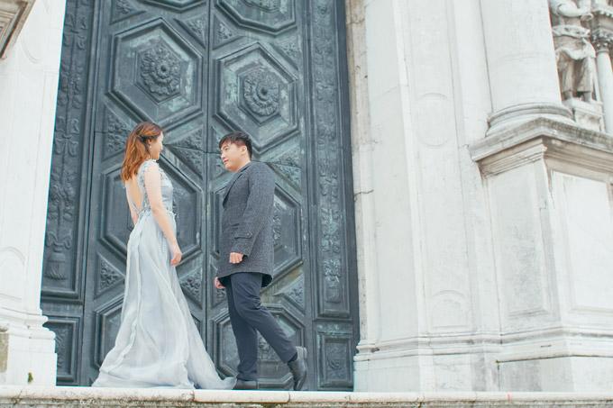 Ngọc Anh hôn bạn trai tin đồn Tô Minh Đức say đắm ở Italy - 10