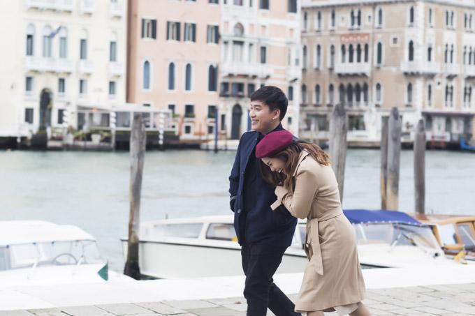 Ngọc Anh hôn bạn trai tin đồn Tô Minh Đức say đắm ở Italy - 2