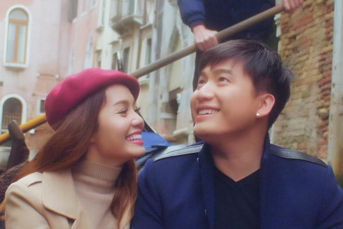 Ngọc Anh hôn bạn trai tin đồn Tô Minh Đức say đắm ở Italy - 5