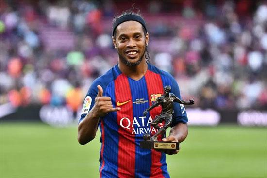Quả bóng vàng năm 2005 thi đấu thành công nhất trong màu áo Barcelona từ 2003 đến 2008.