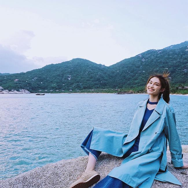 Chân dài Victorias Secret Sui He khoe vóc dáng ở Nha Trang - 5